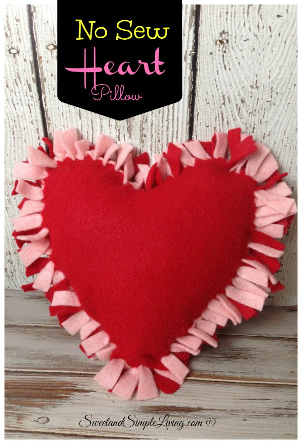 DIY Felt Heart Craft Idea: No Sewing Required - Sweet and ...