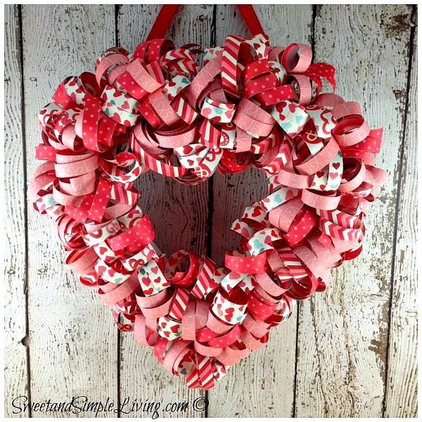 Valentines-Day-Heart-Wreath-1